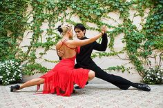 tango dancers in Buenos Aires, Argentina Shall We Dance, Lets Dance, Ballroom Dancing, Pole Dancing, Swing Dancing, Dancing Shoes, Dance Music, Tango Dancers, Dance Like No One Is Watching