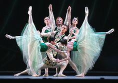 George Balanchine's Jewels, The Royal Ballet Photo by Tristram Kenton Ballet Real, Royal Ballet, Ballet Dancers, Ballet Images, Ballet Photos, George Balanchine, Ballet Companies, Little Ballerina, Ballet Beautiful