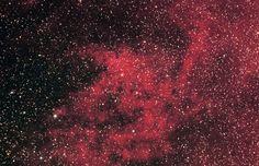 El catálogo Sharpless: Sh2-59 (Sharpless 59) es una nebulosa localizada a unos 17.000 años-luz de distancia del Sistema Solar, en dirección hacia el centro de la Vía Láctea. #astronomia #ciencia