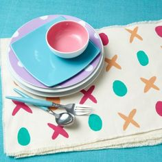 Make place mats for Valentine's Day with some paint and a little creativity. How-to: http://www.midwestliving.com/homes/seasonal-decorating/easy-valentines-day-decorations-and-gifts/?page=21