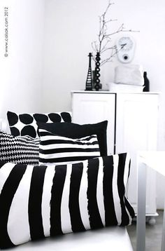 Caisa K - pillows Black White Rooms, Black And White Interior, Black And White Love, Motifs Textiles, Linens And More, White Houses, Interiores Design, Soft Furnishings, Interior Styling