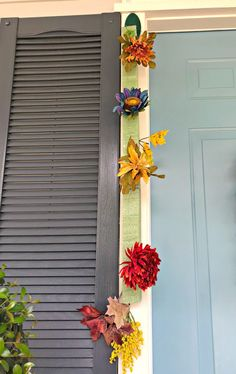 I really wanted to do something a little different around my front door this year. I wanted something full and lush to welcome guests to my home this fall. - This front door hack will help you decorate all year long! Bohemian Beach Decor, Front Door Decor, Front Porch, Front Doors, Rustic Art, Fall Door, Fall Crafts, Christmas Crafts, Thanksgiving Crafts
