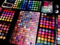 Mega Makeup Palette