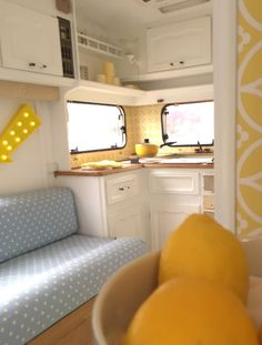 My Caravan Makeover! Take one ugly caravan and turn it into something beautiful :)