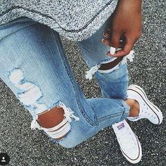 http://www.shopamiga.com Uñas blancas con accesorios blancos!! #shopamiga #primavera #moda #summer #fashionmexico #tops #croptop  #ropa #belleza #fashion #style #maquillaje