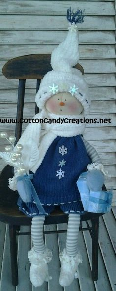 Primitive Christmas Snow Girl Cora by CCCPrimitives on Etsy Christmas Berries, Primitive Christmas, Country Christmas, Christmas Snowman, Christmas Stockings, Christmas Ornaments, Snowman Decorations, Handmade Christmas Decorations, Snowman Crafts