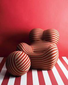 """Poltrona UP by Gaetano Pesce for B&B Italia Danish Furniture, Contemporary Furniture, Chair Design, Furniture Design, Rooms Furniture, Furniture Stores, Cheap Furniture, Poltrona Design, Design Simples"
