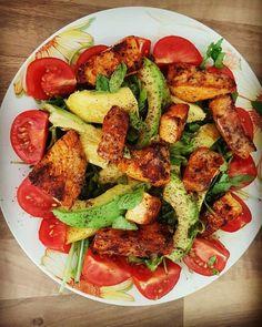 Mango-Avocado-Salat mit Hühnerstreifen, Rucola und Tomaten, ein sehr leckeres Rezept aus der Kategorie Fleisch & Wurst. Bewertungen: 292. Durchschnitt: Ø 4,6.