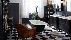 Tilava kylpyhuonen ylellisellä ammeella