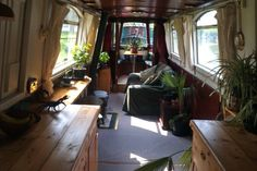 Want to experience the goodness of living in a country-style house and away from the city, and if you love hands-on, log cabin kits is the solution. Barge Interior, Interior Windows, Interior Design, Living On A Boat, Tiny Living, Canal Boat Interior, Canal Barge, Narrowboat Interiors, Houseboat Living