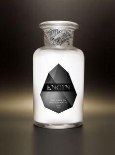 Engin | #bootledesign #packaging #gin