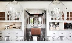 Old-House Kitchen Inspiration. Planning a DIY kitchen remodel for our Victorian home inspiration and design for an old-house (image via Christopher Peacock) Home Design, Küchen Design, Interior Design, Design Ideas, Design Room, Interior Ideas, Modern Interior, Design Trends, Interior Decorating