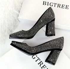 2020 New Luxury Women Glitter Crystal block heels Black Glitter Heels, Glitter Sandals, Pearl Sandals, Boho Sandals, Pumps Heels, Flats, Block Heels, Casual Shoes, Wedges