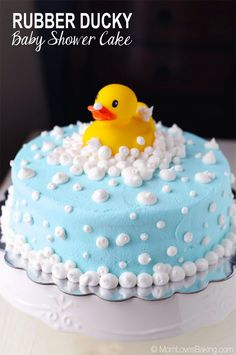 Rubber Ducky Baby Shower Cake is a moist chocolate cake with almond frosting, plus it& gluten-free and dairy-free. Watch the video tutorial. Baby Shower Simple, Idee Baby Shower, Baby Shower Duck, Rubber Ducky Baby Shower, Baby Shower Cakes For Boys, Baby Boy Cakes, Girl Cakes, Homemade Baby, Homemade Cakes