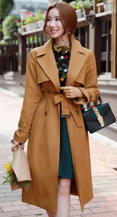 StyleOnme_Autumn Color Long Trench Coat #camel #trenchcoat #falltrend #elegant #koreanfashion #kstyle #kfashion #seoul #feminine #autumnlook