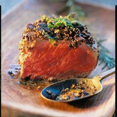 Pavés de bœuf en croûte piquante à la moutarde - http://www.cuisineetvinsdefrance.com/,paves-de-boeuf-en-croute-piquante,31243.asp