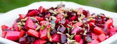 Denne utrolig smukke, nemme og velsmagende salat er en af dem, jeg vender tilbage til igen og igen. Vi har tidligere bragt den på bloggen – men det var dengang, vi var nybegyndere (og ikke ha…