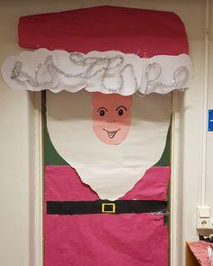Så här såg dörren till klassrummet ut december 2017, år 4 Valance Curtains, December, Home Decor, Decoration Home, Room Decor, Home Interior Design, Valence Curtains, Home Decoration, Interior Design