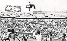 adriana.reyes@eluniversal.com.mx Nadie como él ha llenado de orgullo al deporte mexicano. Ni siquiera la taekwondoín María Espinoza o Paola Espinosa, de clavados, pueden presumir cuatro medalllas en tres ediciones consecutivas de Juegos Olímpicos. Sólo Joaquín Capilla conserva ese honor.