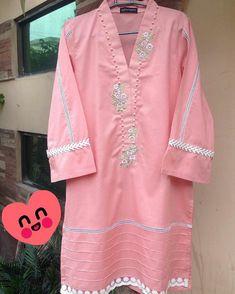 New Kurti Designs, Kurta Designs Women, Stylish Dresses For Girls, Stylish Dress Designs, Designer Suits For Wedding, Pakistani Kids Dresses, Plain Kurti, Baby Girl Dress Design, Baby Frocks Designs