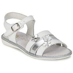 Zapatos Niña Sandalias Citrouille et Compagnie KATAGUE Blanco Cute Girl Shoes, Kid Shoes, Girls Shoes, Summer Legs, Toddler Sandals, Little Girls, Womens Fashion, Kids, Orlando