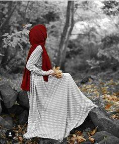 Image may contain: one or more people, people standing, child and outdoor Hijabi Girl, Girl Hijab, Hijab Dress, Hijab Outfit, Muslim Girls, Muslim Women, Abaya Fashion, Muslim Fashion, Modele Hijab