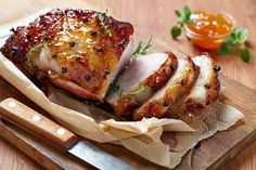 Dinner Recipe: Apricot and Orange Glazed Pork Roast. I love a good pork roast! Cooking Temp For Beef, Christmas Ham Recipes, Holiday Ham, Pork Recipes, Cooking Recipes, Cooking Games, Recipies, Cuisine Diverse, Pork Dishes