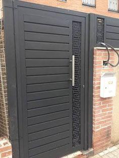 Puerta de hierro exterior moderna porton pinterest for Puertas metalicas para patio