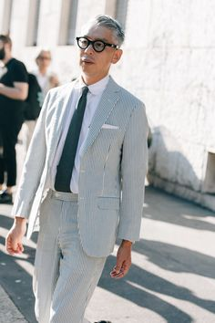 Takahiro Kinoshita Menswear is big business in Milan, which is why you'll spot stylish guys from every tribe during fashion week wearing some of the boldest threads out there. Stylish Mens Fashion, Best Mens Fashion, Suit Fashion, Fashion Week, Fashion Hats, Cool Street Fashion, Milan Fashion, Fashion Trends, Fashion Ideas