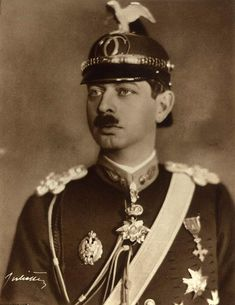 Imagini pentru Carol al II-lea Romanian Royal Family, Imperial Russia, Descendants, Queen Anne, Edinburgh, Royals, The Past, Daughter, History