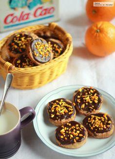 Las galletas rústicas de chocolate y naranja son ideales para la hora de la merienda o como tentempié. Receta sencilla de galletas con fotos paso...