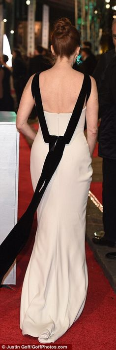 BAFTAs red carpet sees Julianne Moore wow in white fishtail gown | Daily Mail Online