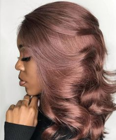 15 Winter Hair Colors We're Swooning Over Already 30 Hair Color, Green Hair Colors, Hair Dye Colors, Gorgeous Hair Color, Winter Hair Colors, Unique Hair Color, New Hair Color Trends, Cabelo Rose Gold, Rose Gold Hair
