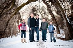 Pink Daffodil Photography: Utah Family Portrait Photographer - Winter Family Portraits - Starting the New Year off Right
