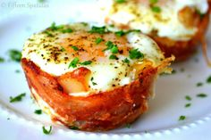 All your breakfast favorites comes together in these Bacon Egg and Toast Cups (@Shonda Chadwick Spatulas)
