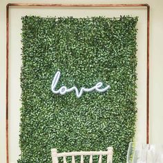 Sure to be talking point of your party, these artificial foliage wall tiles will set the perfect atmosphere for your guests. Clip the flower tiles together to create a large impactful flower wall backdrop, the perfect background for your DIY photo booth! Flower Wall Backdrop, Wall Backdrops, Floral Backdrop, Wedding Backdrops, Backdrop Decor, Floral Garland, Bachelorette Decorations, Wedding Flower Decorations, Baby Shower Decorations