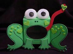 Frog Valentine's day box made from kleenex box