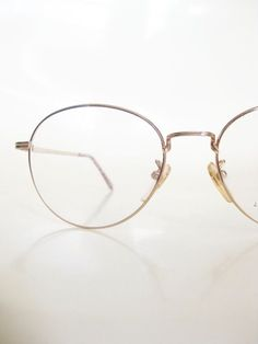 1c9a0d0e9c Men s Round Glasses Vintage 1980s Gold Wire Rim Metallic Shiny Geek Chic  Nerdy Hipster Eyeglasses Deadstock