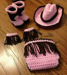 16 Beautiful Handmade Baby Gift Sets with Free Crochet Patterns