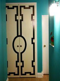 Decora tus puertas usando esténciles