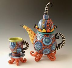 Too cool!! Mad Art And Craft: Mad Hatter Teacup and Teapot