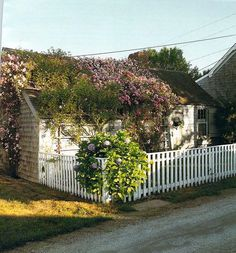 Sea Captains' Houses and Rose-Covered Cottages: The Architectural Heritage of Nantucket Island