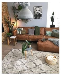 Brown Couch Living Room, Living Room Green, Boho Living Room, Living Room Seating, Bohemian Living, Green Living Room Furniture, Living Room Ideas Leather Couch, Plants In Living Room, Brown Couch Pillows