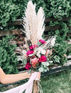 Aranjamente Florale pentru Nunti, buchete, decorațiuni. Calitate și creativitate pentru nunți și botezuri minunate! Suna-ma chiar acum! Floral Wedding, Wedding Flowers, Ranunculus, Table Decorations, Boho, Ideas, Design, Persian Buttercup