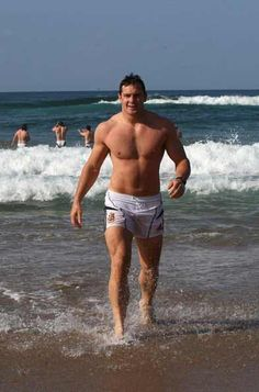 Holy shit, rugby does a body reallyyyy good !