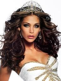 Dayana Mendoza (Miss Venezuela ) was crowned Miss Universe 2008 2008 Miss Universe. Miss Venezuela Pageant Hair And Makeup, Beauty Pageant, Hair Makeup, Dayana Mendoza, First Ladies, Pagent Hair, Competition Hair, Miss Venezuela, Beauty Queens