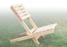 Outdoor Folding Chair Plans - Outdoor Furniture Plans and Projects - Woodwork, Woodworking, Woodworking Plans, Woodworking Projects Fold Up Chairs, Outdoor Folding Chairs, Wood Folding Chair, Folding Beach Chair, Outdoor Dining, Outdoor Furniture Plans, Diy Furniture Couch, Diy Chair, Garden Furniture