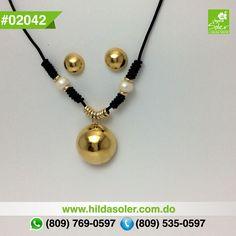 Set de gargantilla y aretes en piel con perlas cultivadas  RD $650 pesos