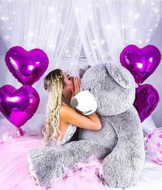 Find images and videos about girl, fashion and teddy on We Heart It - the app to get lost in what you love. Teddy Photos, Teddy Bear Pictures, Teddy Girl, Huge Teddy Bears, Teddy Beer, Purple Teddy Bear, Giant Teddy, Bear Wallpaper, Shooting Photo