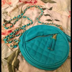 Urban Expressions turquoise cross body bag Cross body bag, hardly used, Still new looking!! Urban Expressions Bags Crossbody Bags